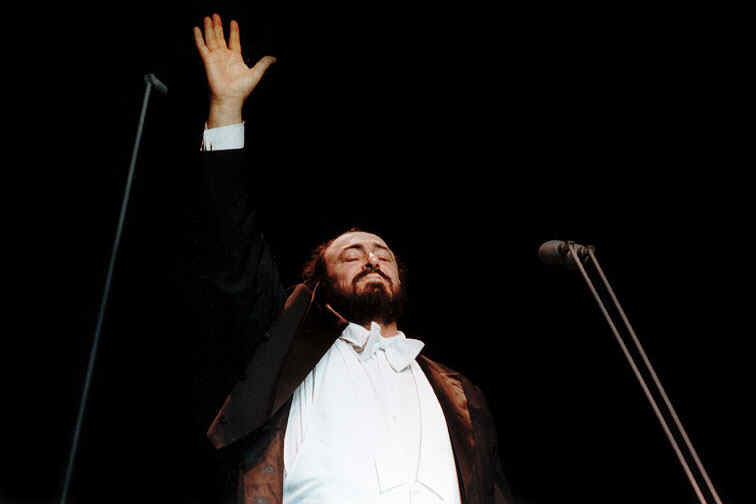 20070906151812-pavarotti.jpg