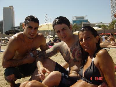 20090705122147-barceloneta-playa-hijos.jpg
