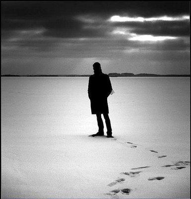 El silencio mas triste del mundo - Página 14 20111219141800-un-hombre-solo